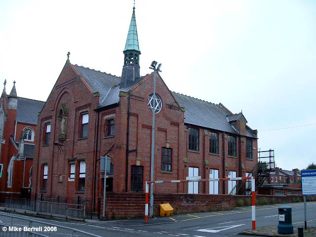 https://www.genuki.org.uk/sites/default/files/media/images/LAN/churches/Prestwich/ourlady2.jpg