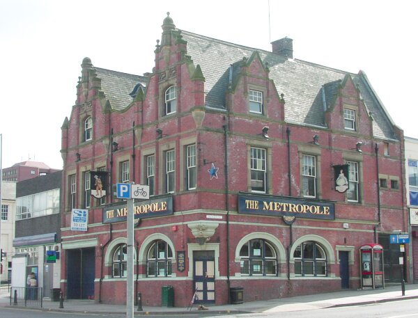 The Metropole public house on High Street - opened as the Metropole Theatre in 1896 and later became the Scala cinema.